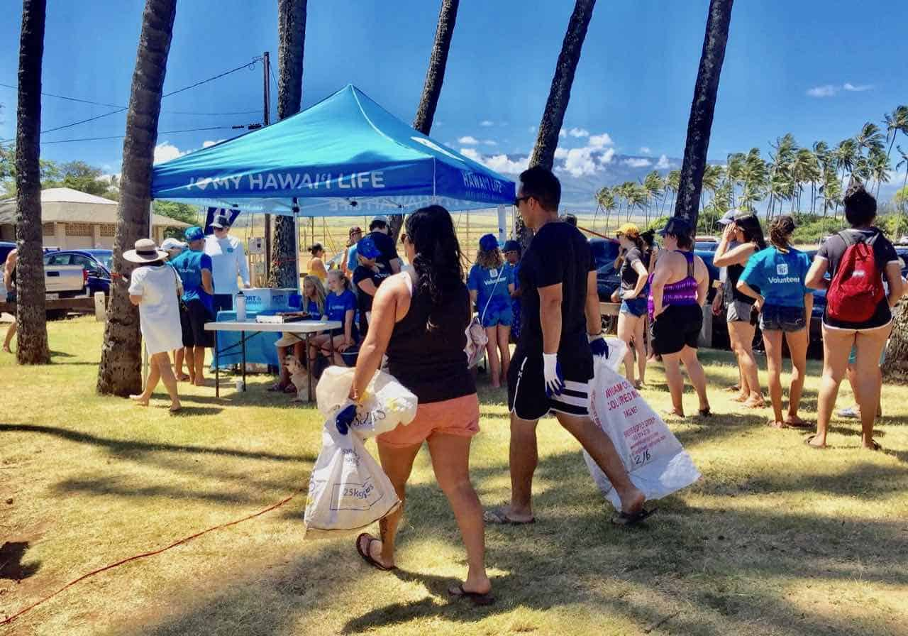 beach cleanup day maui