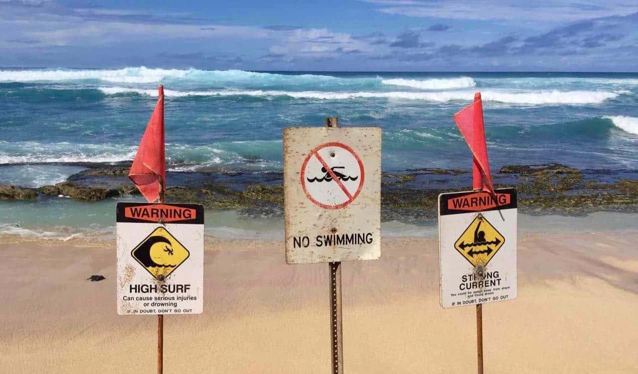 high surf hookipa