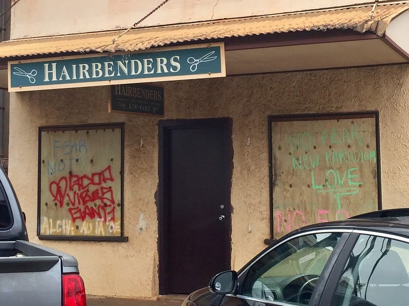 hairbenders paia boarded up