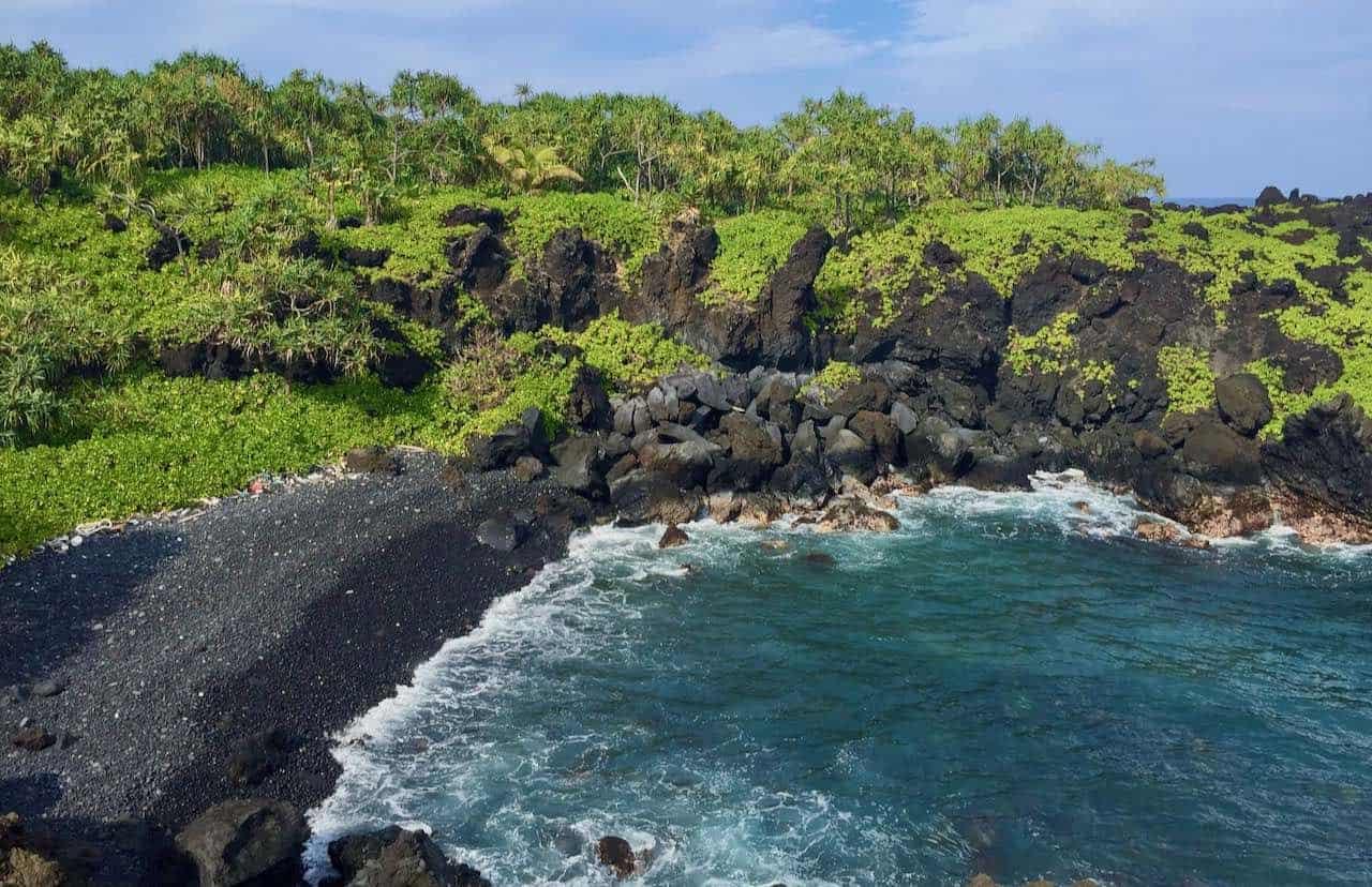 black sand beach Wai'anapnapa Maui