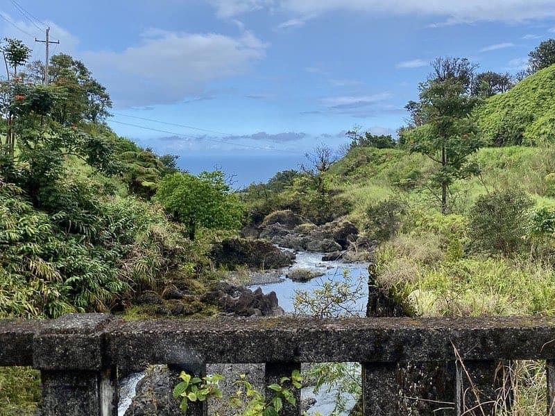 maui bridge and view hana hwy