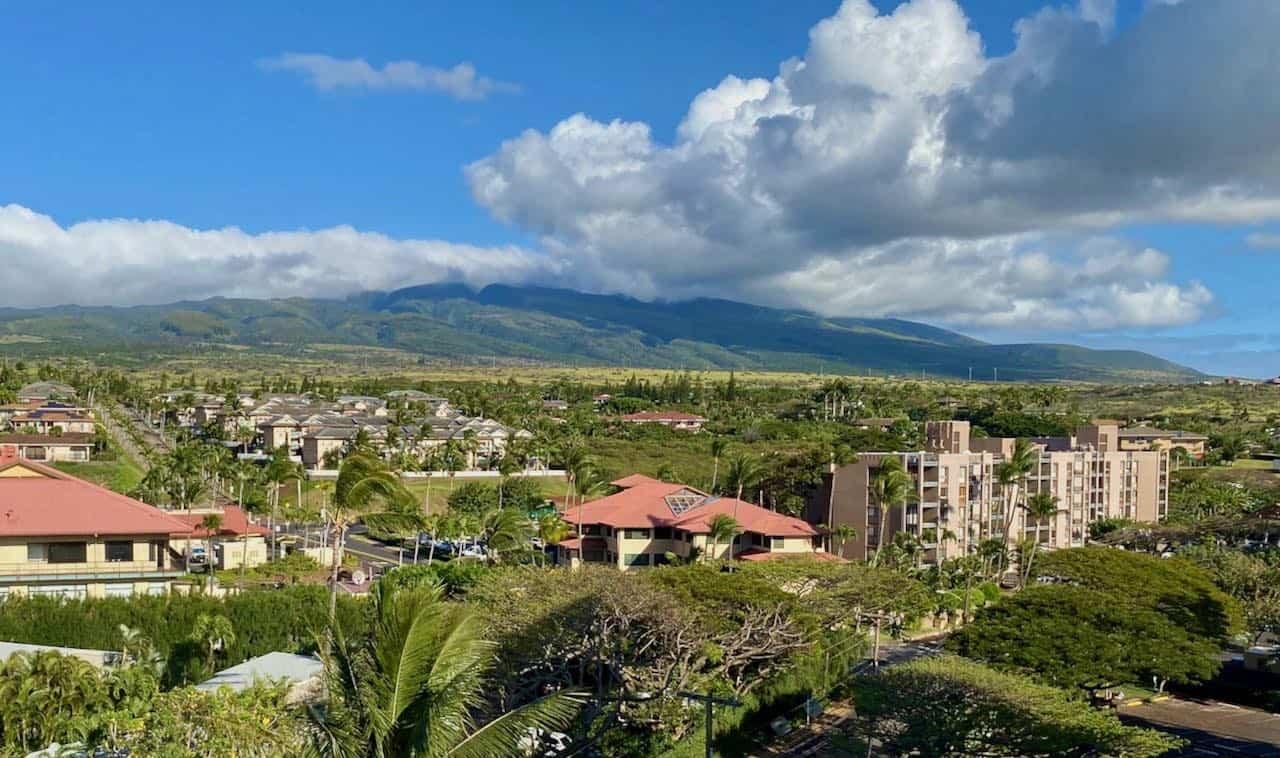 kahana gateway and mountain view Maui